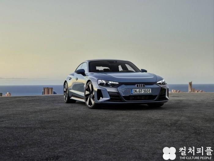 사진 1. 아우디, 순수 전기 그란투리스모 '아우디 e-트론 GT' 온라인 월드프리미어 공개_e-tron GT.jpg